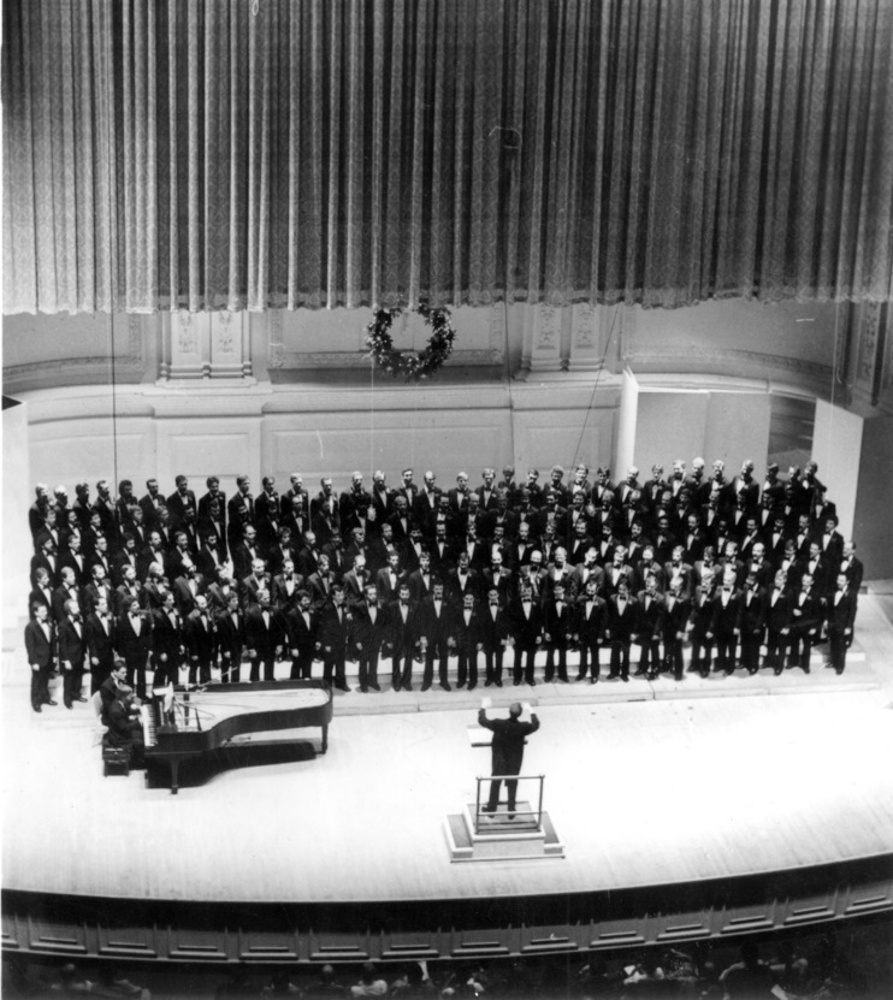 NYC Gay Mens Chorus debut 1981 - NYCGMC
