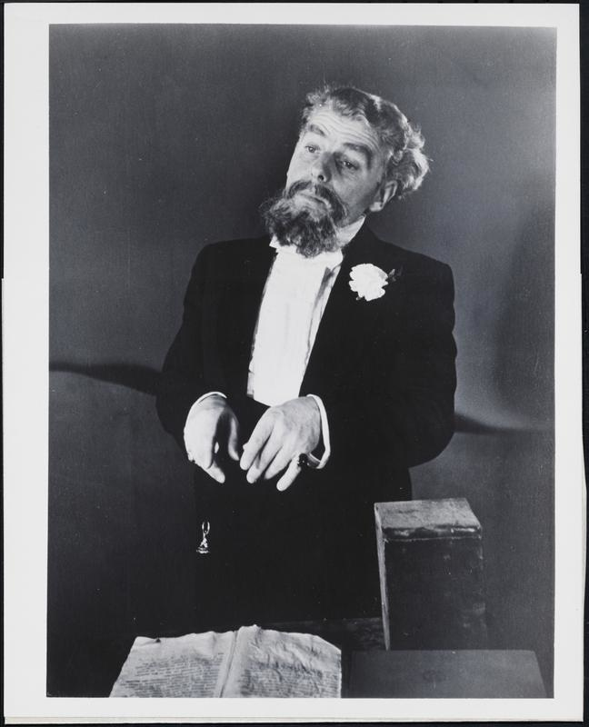 Emlyn Williams as Charles Dickens, 1952. Courtesy Museum of the City of New York.